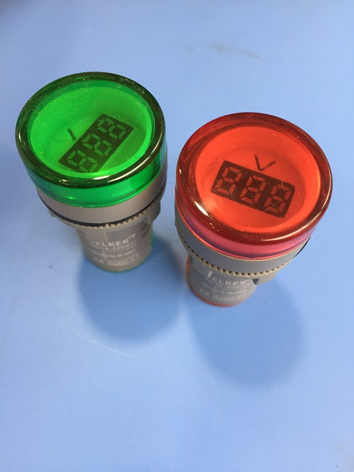 Selling indicator lamp with voltage meter
