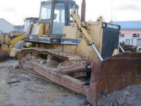 Used Komatsu D60P-12 D85A-18 D85A-21 D155-1 D155-2 Bulldozers