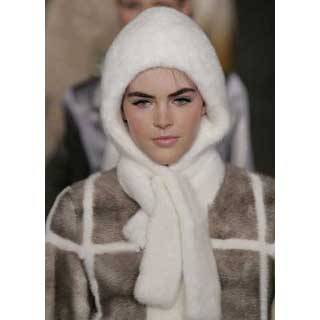 Rabbit Fur Cap Integrated With Scarf