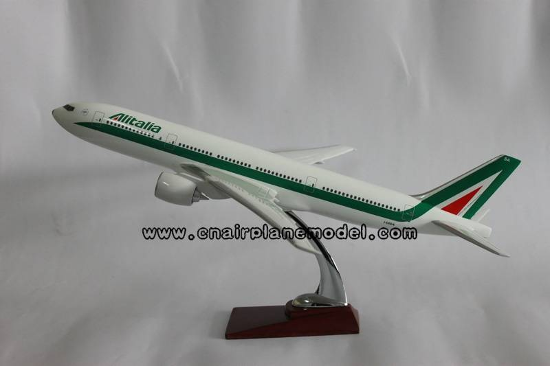 resin model aircraft Boeing777 Italy 47cm