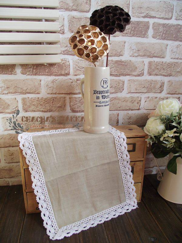 Lace bordered linen table placemat