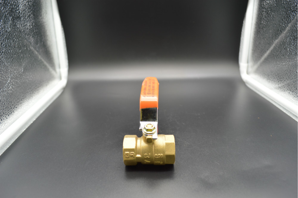 Brass Ball Valve with Steel Level Handle