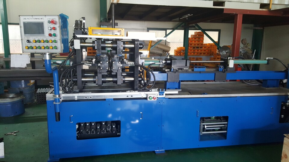Bellows forming machine