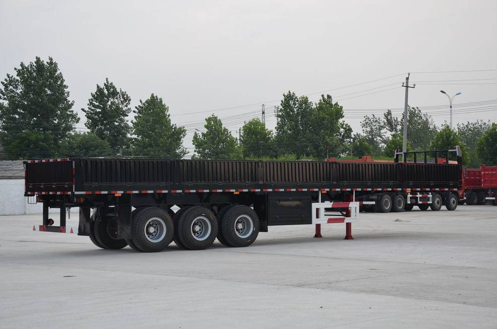 Gooseneck semitrailer with side walls