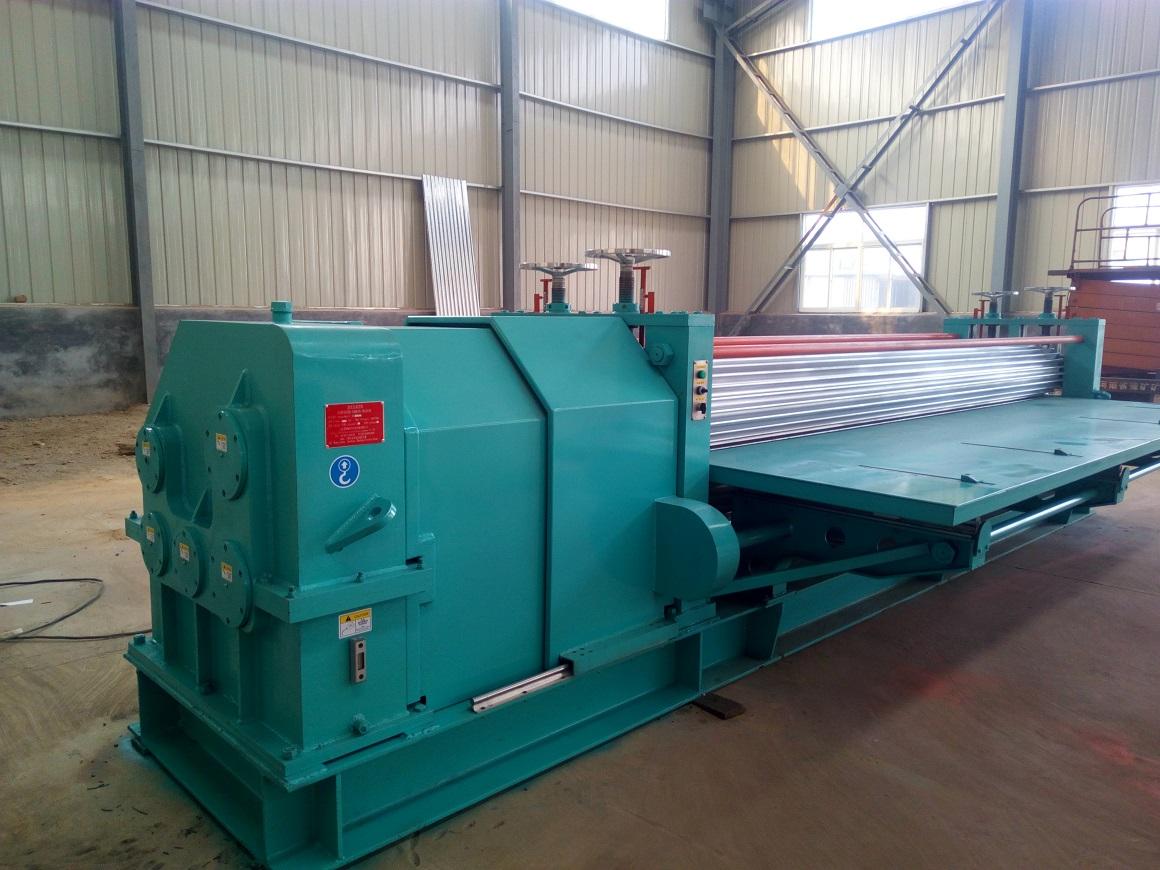 Galvanized tile rolling machine
