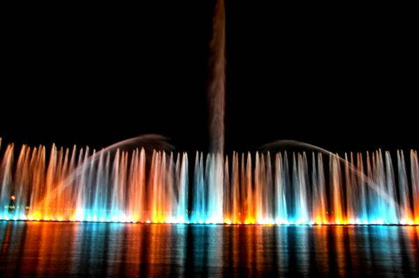 Grand Lifting Floating Style Musical Spouting Fountain in the lake for the Purple Palace of Sun Yat-