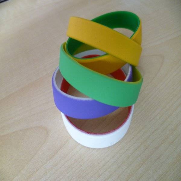 promotion silicone wristband with different color