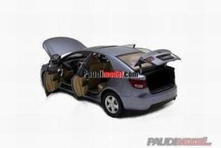 1/18 Kia Forte diecast model car