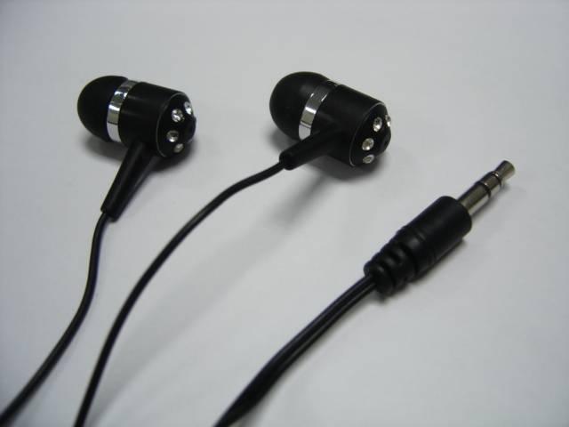 In-ear crystal earphone