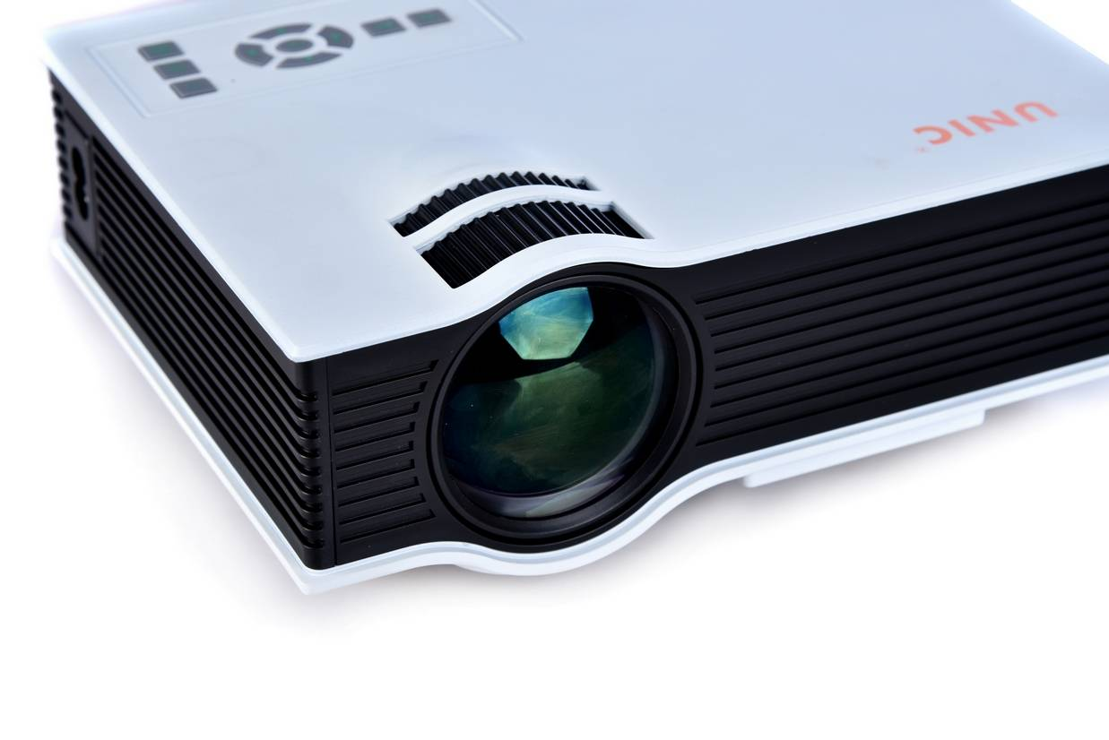 led lcd Multimedia Projector,support1080p, small size, portable