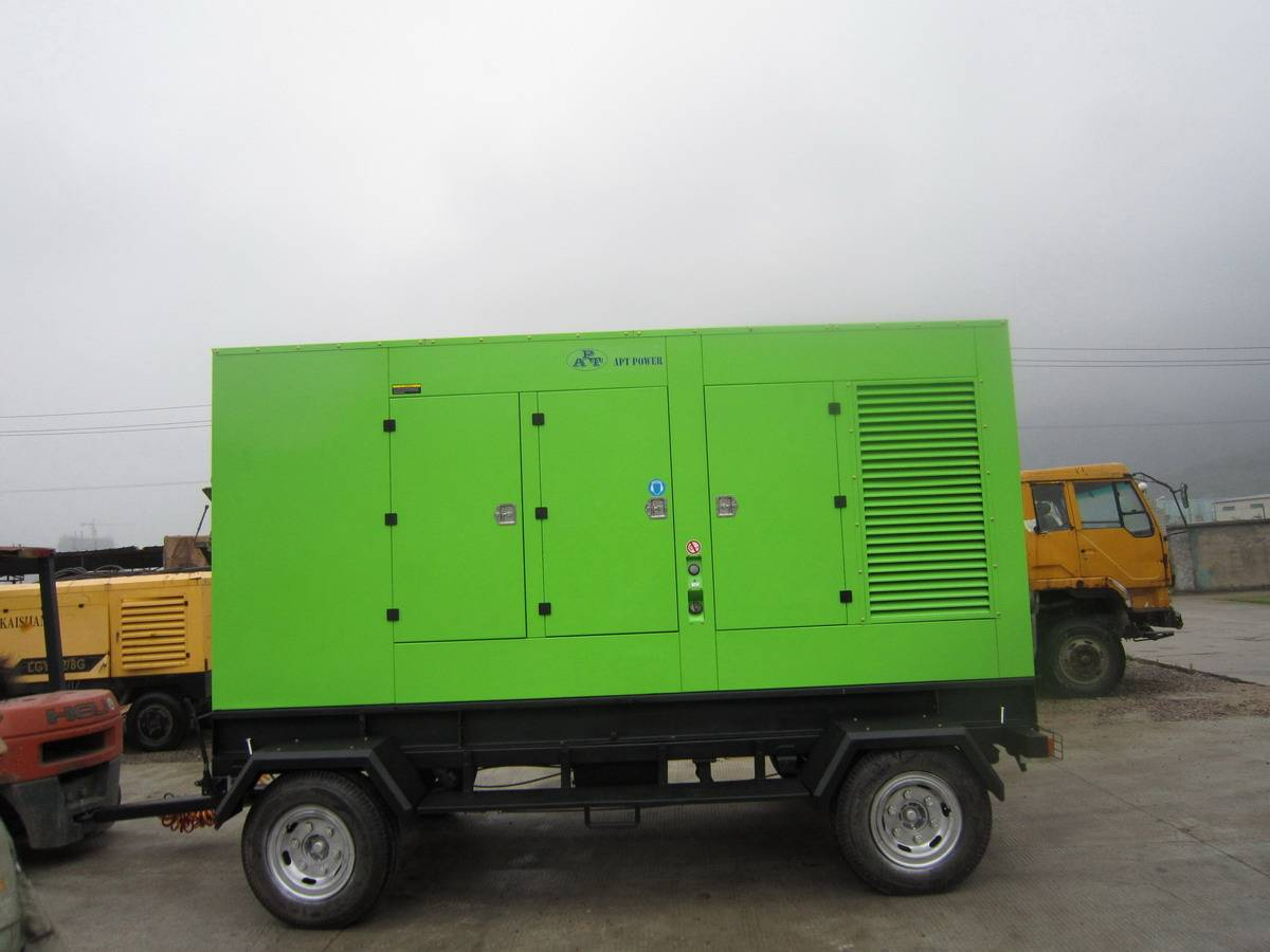 Silent Type Diesel Generator Set with Trailer, Cummins Engine 400lkVA 320kW