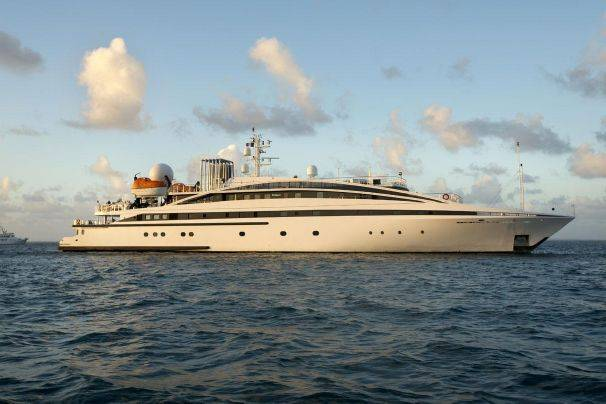 Super Mega Yacht 239ft, 2005 Ref YT8893