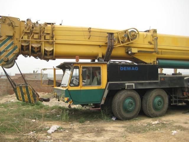 used demag truck crane300t, demag used mobile crane