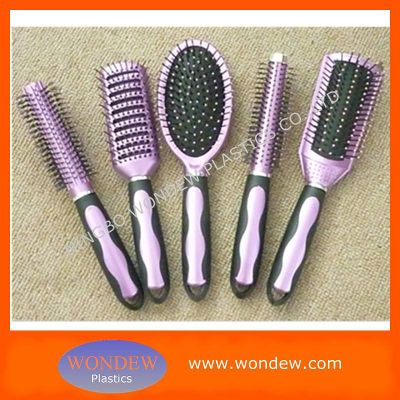 Plastic hair combs