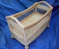wicker baby bed/baby basket