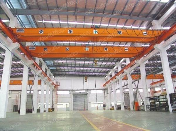 Insulating Overhead Crane with Hook