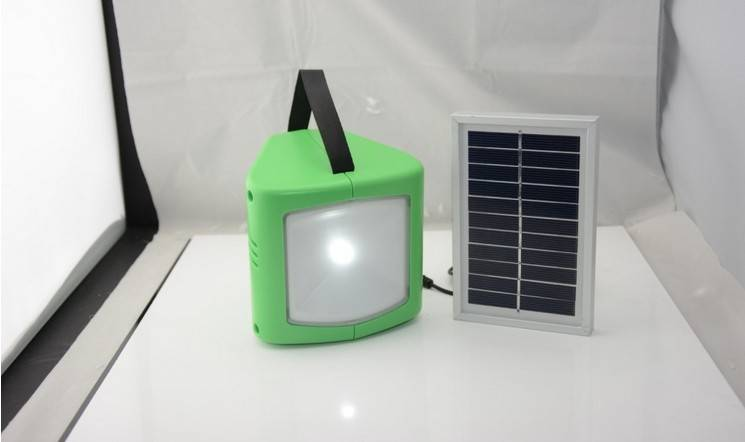 Multifunctional solar lighting lamp with charger ECL100