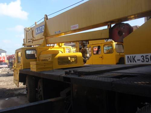 used truck crane kato 35t NK350