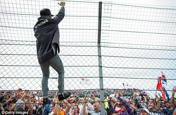 F1 Racing Field Security & Protection Fence