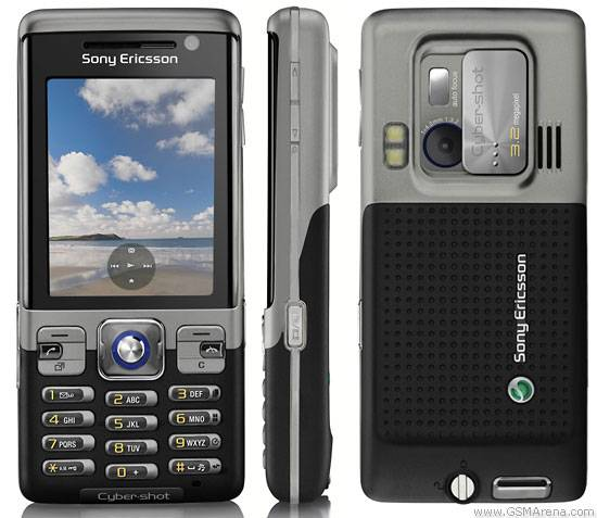 Original unlocked GSM mobile phones Sony Ericsson C702