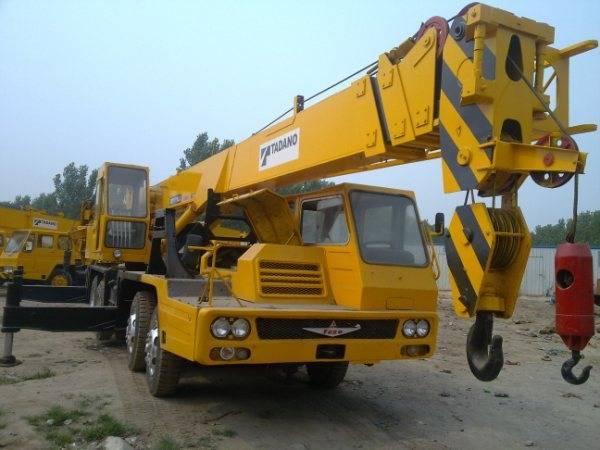 Sell Japan made TADANO TL300E mobile truck crane used tadano 25ton crane used tadano crane