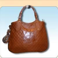 Look for Distributors for Ladies' Handbags, Men's Bags, Wallets / Purses and Keyrings