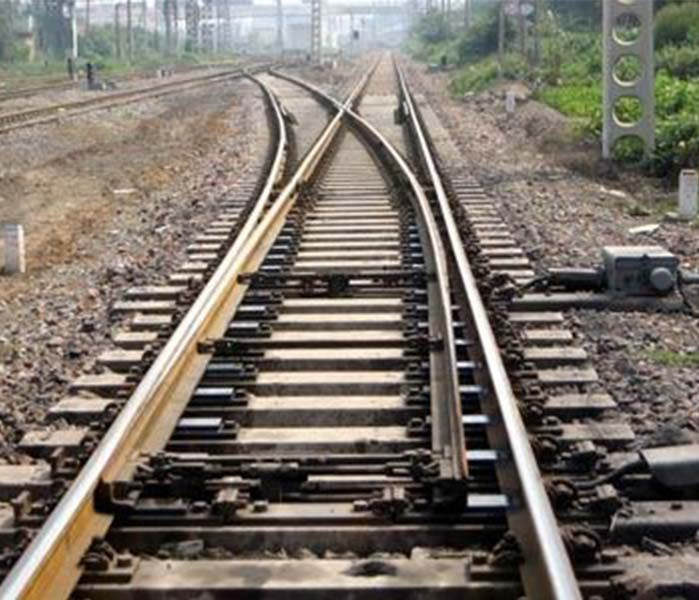 Railway rail turnout