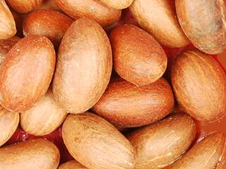 Kola nuts and bitter kola nuts in large quantity and affordable