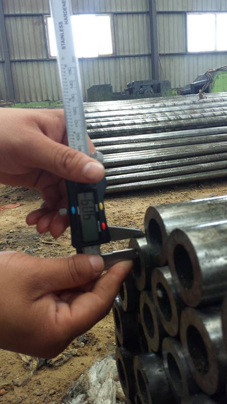 precision seamless steel tube DIN2391 GB/T3639