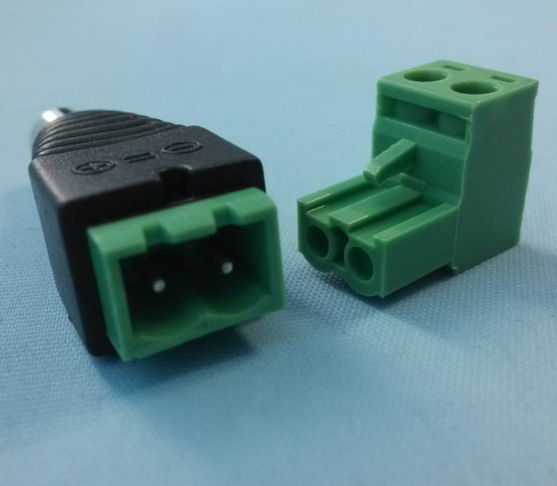 DC plug(male) 2,1/5,5 to terminal (terminal removable)