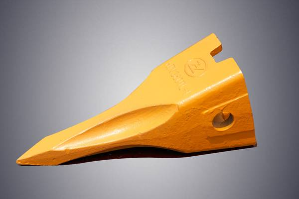 Komatsu PC300 excavator parts bucket tooth 207-70-14151