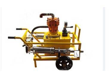 Diesel hydraulic splitting machine