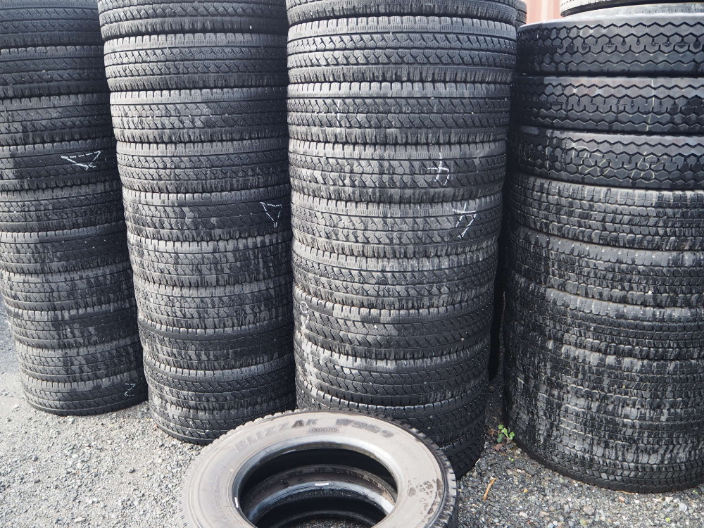 Grade A used car Tyres