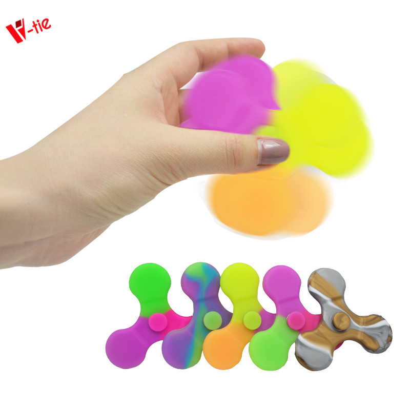 Hot hand fidget spinner Relieve Stress and Anxiety