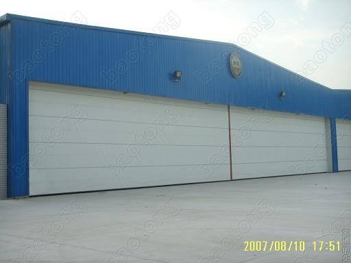 Fabric Lifting Hangar Door