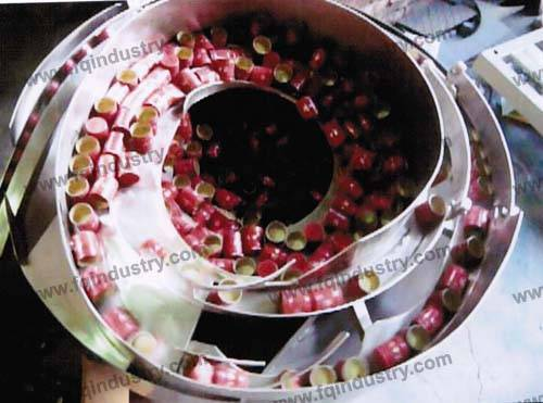parts feeder for capping machine