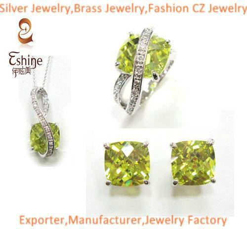 Fantastic Sterling Silver jewelry set with cushion Peridot CZ stones Women Wedding Party Jewelry Set