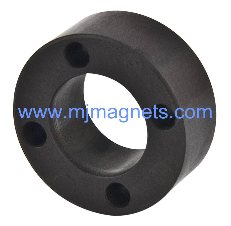 Bonded ferrite magnet by injection molding