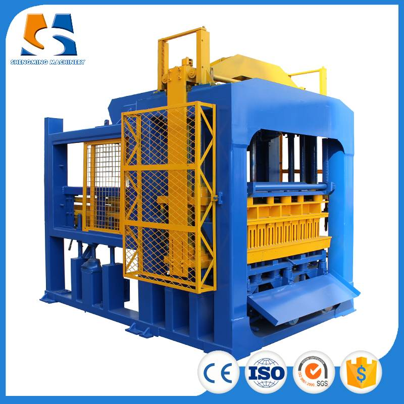 QT8-15 block making machine