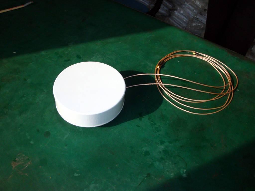 Vehicle Dual-Polar Omni-Direct Antenna