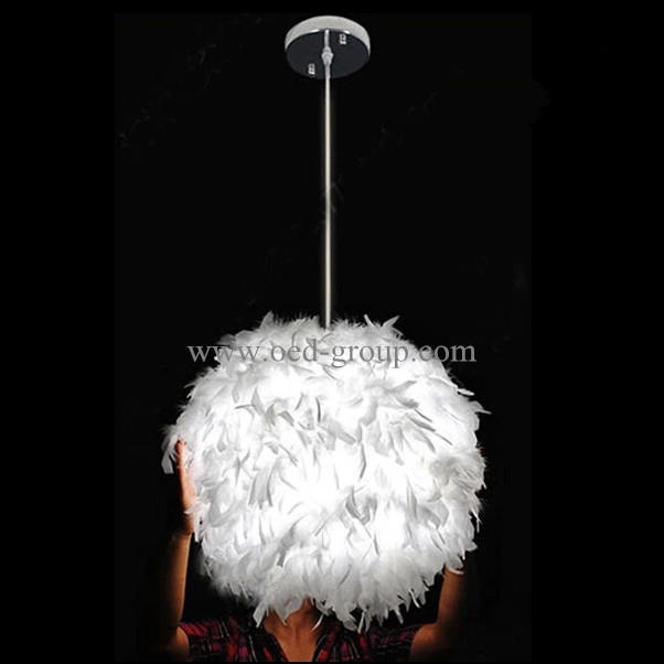 Home Decoration LED Feather Pendant Lamp with White, Pink, Rose Red Color