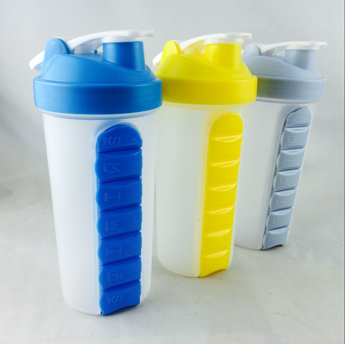 2 in 1 pill box cup