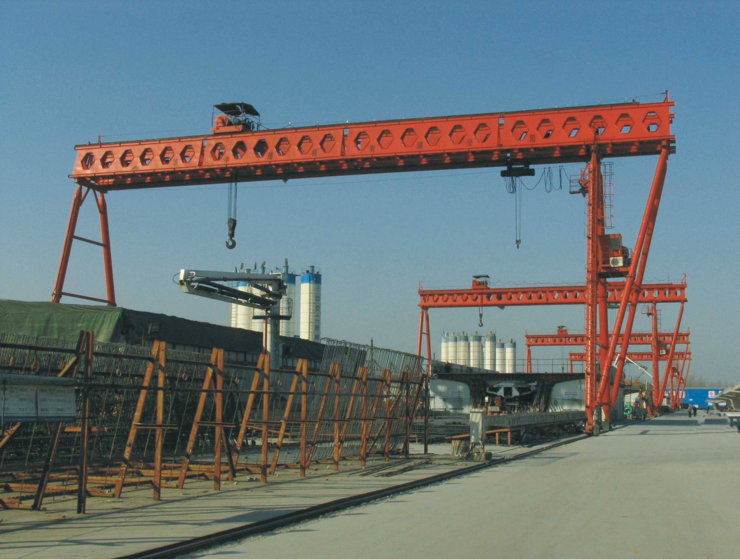 double girder gantry crane to lift preast girders