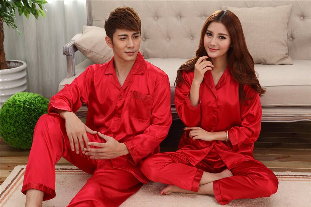 whosales pajamas in china