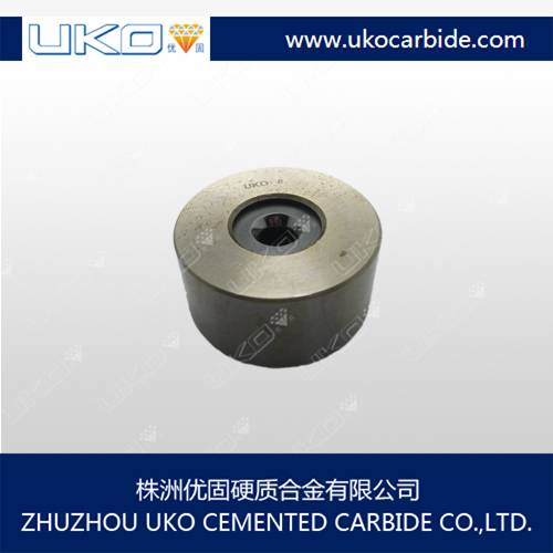 Polishing cemented carbide wire drawing dies