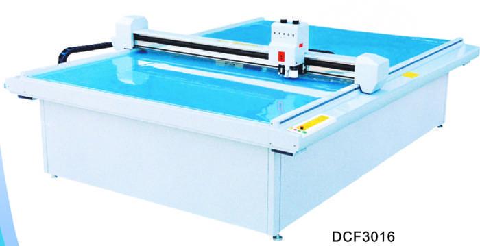 DCF 3016 garment computerized die cut flat bed room machine
