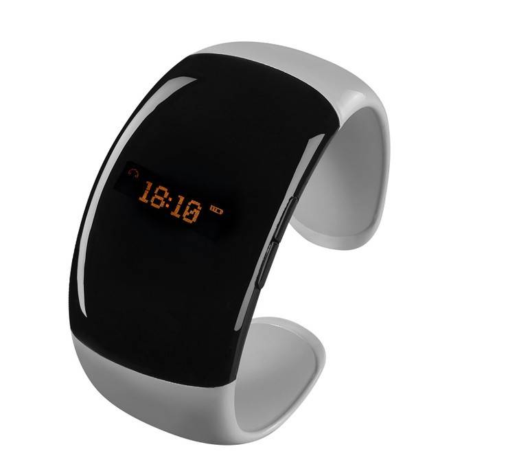 The Bluetooth bracelet with clock works as a timer.