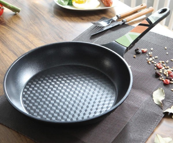 Lowenthal vanessa frypan(color handle frypan) from Korea