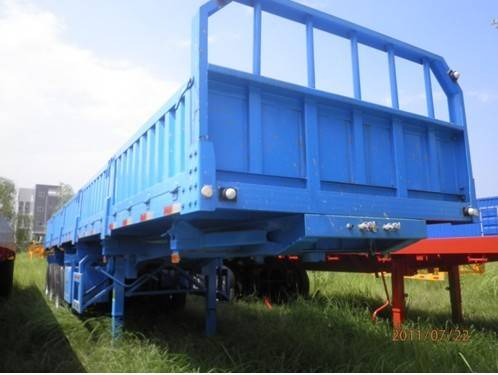 Sell Tri-Axle Side Tipper