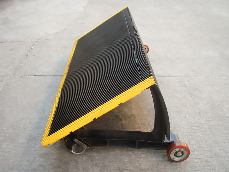 Hyundai escalator step HE654A045 for sell